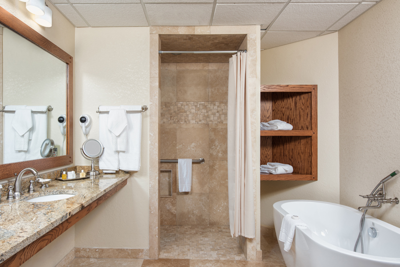 lakeview crown suite bathroom