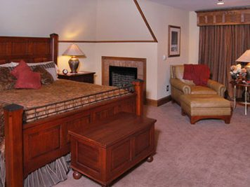 hugh morton room at bob timberlake inn