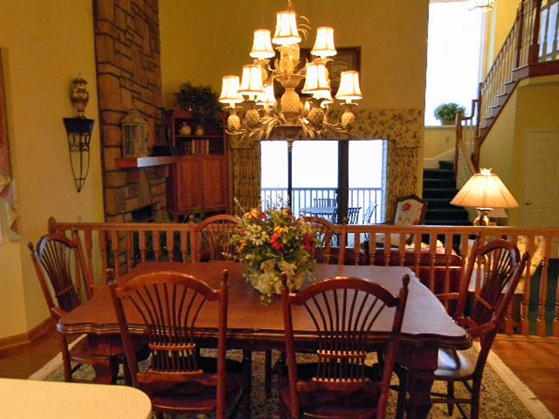Sierras 4 dining room