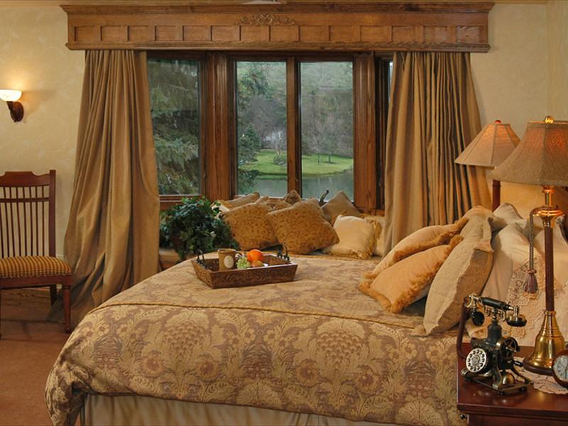 bob timberlake inn walt alexander room
