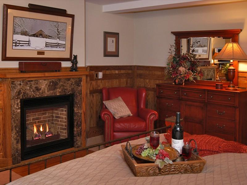 bob timberlake inn luther snyder room